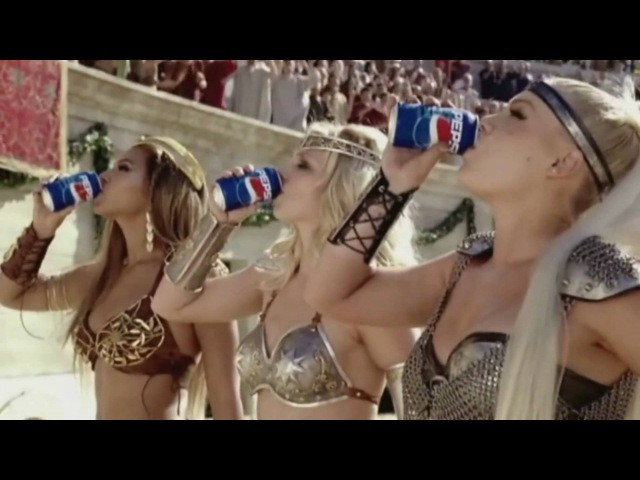[HD] Britney Spears, Beyonce Pink - We Will Rock You (Pepsi)
