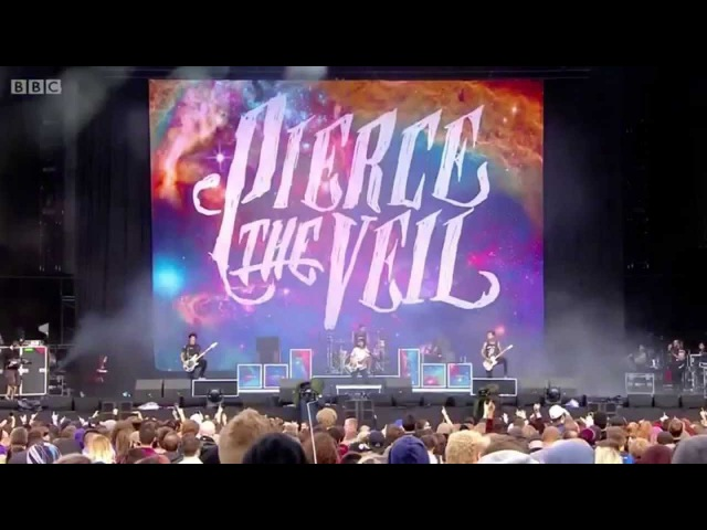 Pierce The Veil Live at Reading Full 2015 (Vic Smashes Guitar)