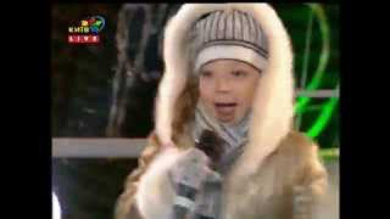 Настя и Виктория Петрик Небо и Прошлое Рождество 2013