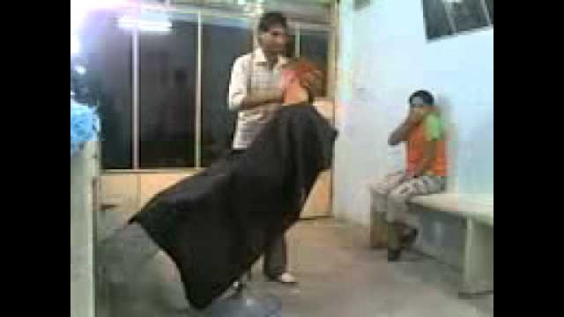 Прикол в парикмахерской D
