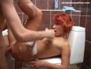 Секс с красивой рыжей русской девушкой. Трахнул в туалете на вписке красавицу. Кончил на лицо русское порно шалава сексуальная