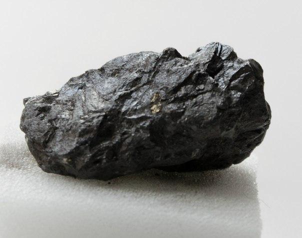 Минералы Сокровища Земли №68 - Ильменит