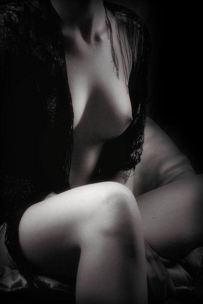 чёрно белые фотографии голых девушек