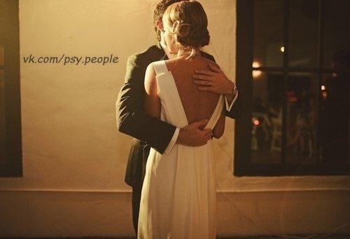 У каждого есть свой человек. Кому-то стоит дождаться его, а кому-то - беречь😌