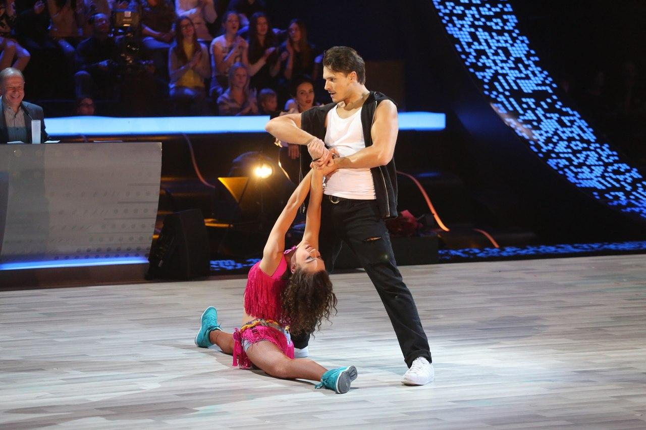 Танцы со звездами. Россия-1 - Страница 3 8R4gIyZyzGs