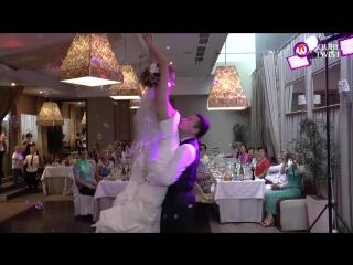 Романтичный свадебный танец в исполнении Жени и Тани от студии Double Twist