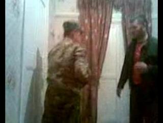 Мужик решил научить чеченца драться_)