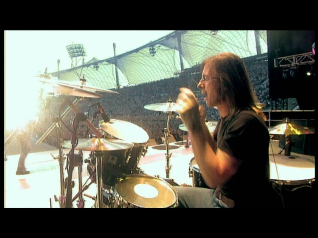 ACϟDC - You Shook Me All Night Long [HD] Stiff Upper Lip Live (Munich)