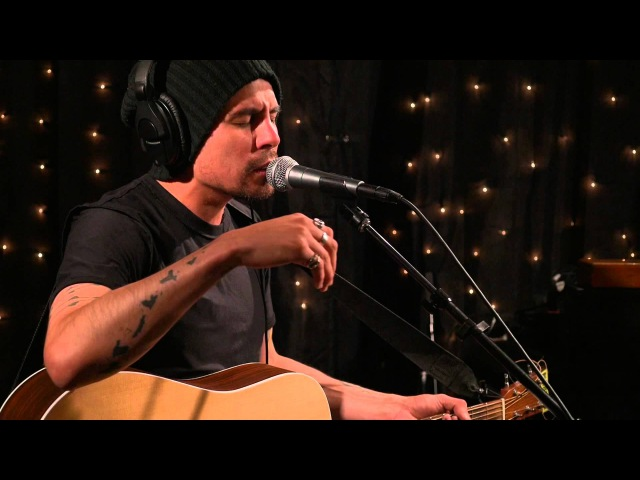 Low Roar - I'll Keep Coming (Live on KEXP)