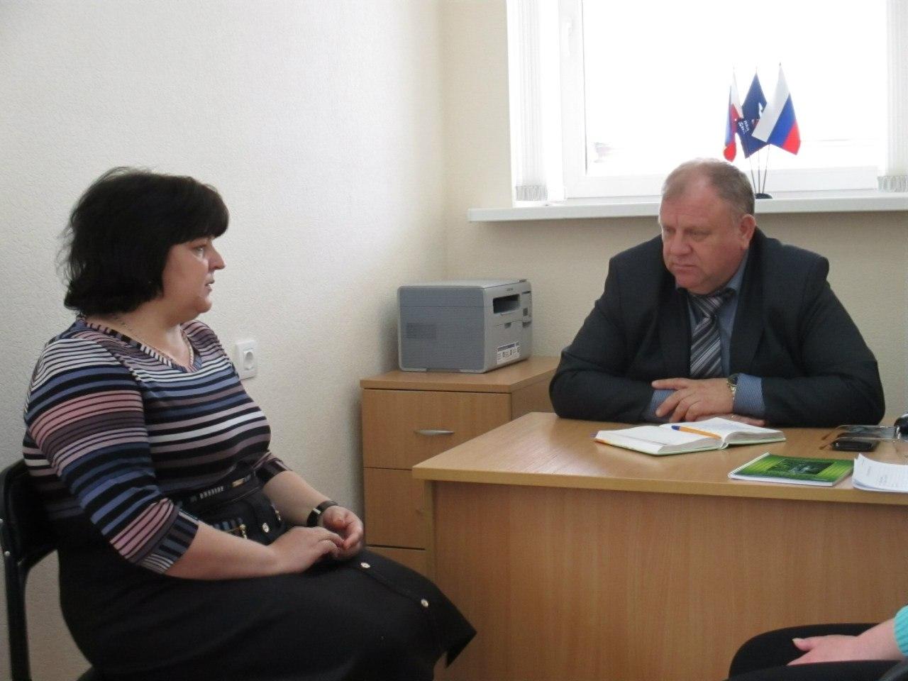 Заместитель начальника управления ветеринарии Александр Овчаров встретился с дончанами