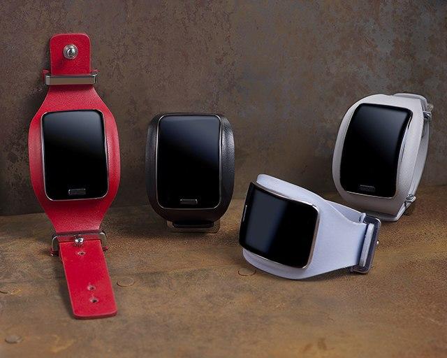 Для Samsung Gear S выпустят фирменные ремешки Diesel Black Gold