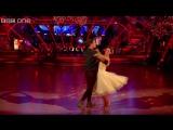 Rachel Stevens dances to Please Come Home for Christmas -