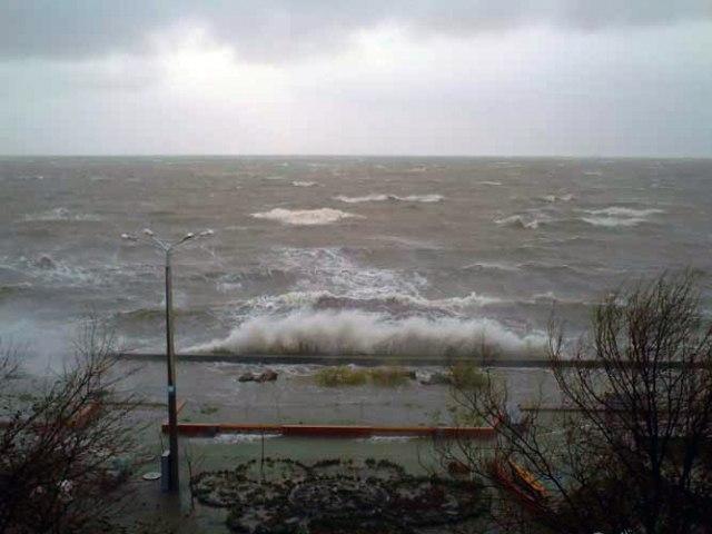 ВНИМАНИЕ! ГУ МЧС по РО и «Управление защиты от ЧС» Таганрога предупреждает об усилении ветра и заморозках