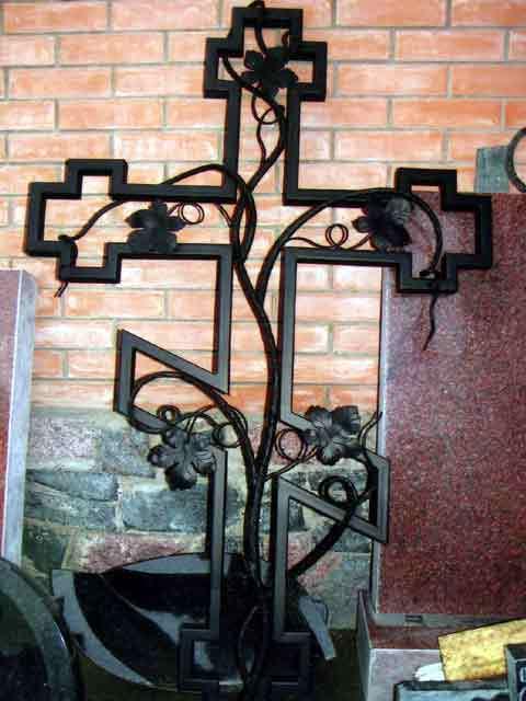 Крест на могилу из металла своими руками размеры