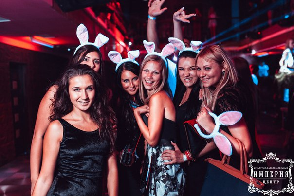 В клубах на девичниках частное