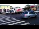 Голый мужик на улице Барнаула