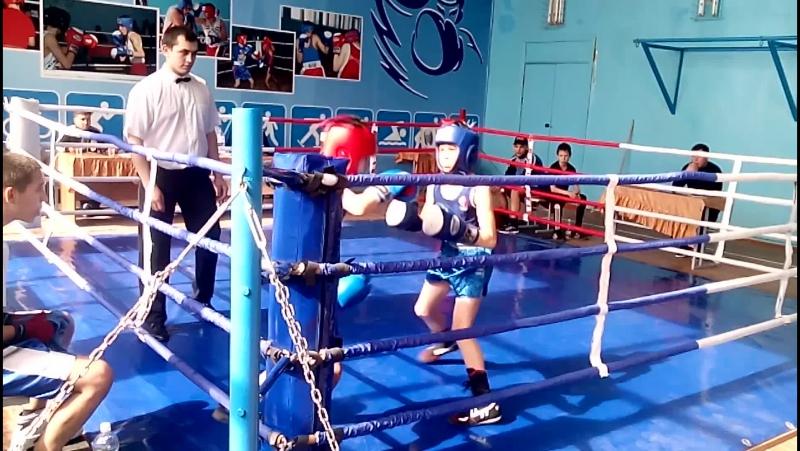 Бокс. Айгиз(с. Раевка ) против Махмундиярова (Старлетамак) 1, 2 раунд.