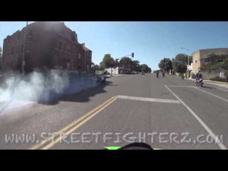 motorcycles do burnouts in oncoming traffic through cars - Лучшее Видео про мотоциклы, и о мотоциклистах | Yamaha | Ktm | Honda | Suzuki | Ducati | Bmw | Kawasaki | Стантрайдинг | Трюки | Слет | Дрифт | Прохват | Дтп | Прикол | Мото |  Гонки | Драг | Ява | ИЖ | ПЛАНЕТА | ЮПИТЕР | ДНЕПР | УРАЛ | АВАРИЯ | ПОКАТУШКИ | СЕЗОН | 2012 | 2013 | 2014 | 2015 | 2016 | 2017 | КРУШЕНИЕ | АВТОМОБИЛИ | МОТОЦИКЛИСТ | СТАНТ | УРОКИ | ШКОЛА | СТАНТ | ЧЕМПИОНАТ | STUNT | ТОРМОЖЕНИЕ | ВИЛЛИ | СТОППИ | ФЛИП | ДРАКА | БАЙК | БАЙ