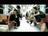 Metroda Kendini Taklit Eden Kadına Öyle Birşey Yaptı ki