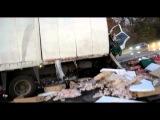 В Страшном Столкновении Автобуса и Грузовика Погибло 8 Людей.