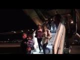 МЧС России эвакуировало граждан из Сирии Russian plane evacuated people from Syria
