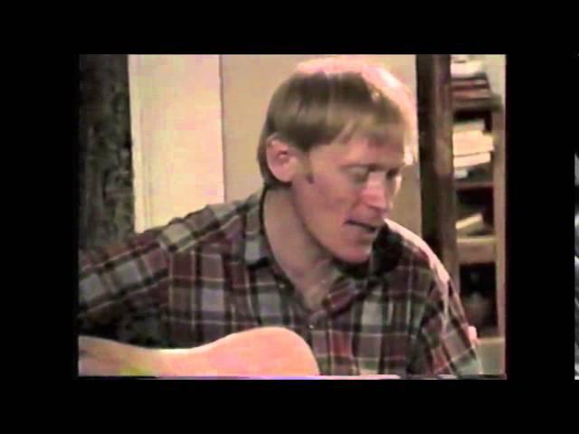 альпинист Анатолий Букреев поет песни под гитару. Солт-Лейк, 1993.