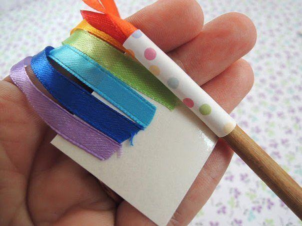 Как сделать из цветной бумаги волшебную палочку