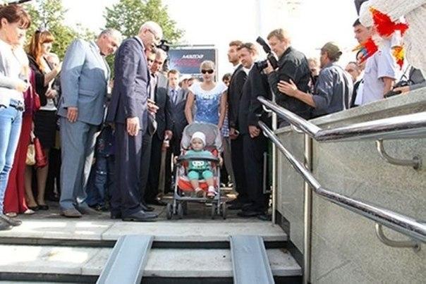 """J4mmeRAG-Uk """"Загнивающий Запад"""" - реакция соц. сетей на пропаганду Российских СМИ"""