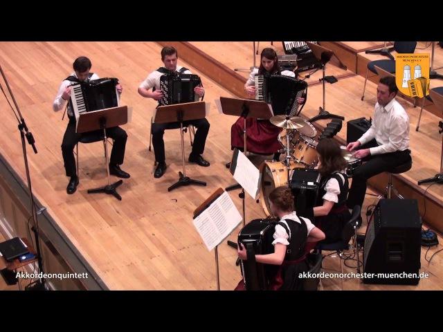 Оркестр из аккордеонов играет Darude - Sandstorm jhrtcnh bp frrjhltjyjd buhftn darude - sandstorm