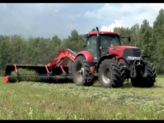 Case IH Puma 210, Kuhn Merge Maxx 900 and New Holland FR 600