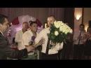 Жених читает рэп невесте на свадьбе Boho Wedding