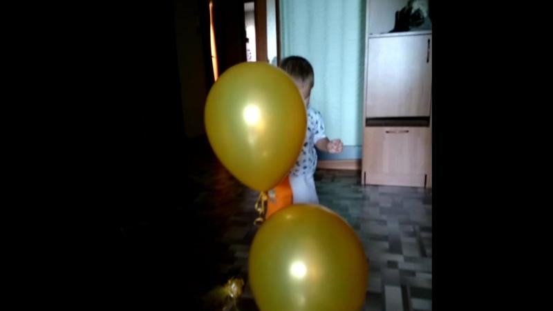шарики)) чем не повод проснуться в пять утра)
