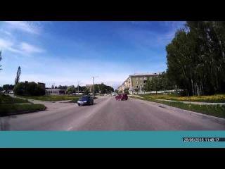 Маневры задним ходом перед перекрестком - Снежинск 25 мая 2015