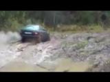 Audi 80 кваттро валит по грязи!