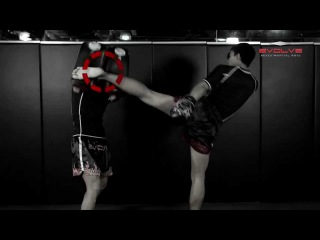 FIGHT BREAKDOWN: Muay Thai Head Kick KO | Evolve University fight breakdown: muay thai head kick ko | evolve university