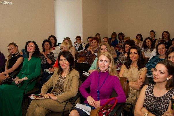 Приветствую Вас на страничке Женской Школы Бизнеса! Меня зовут Елена