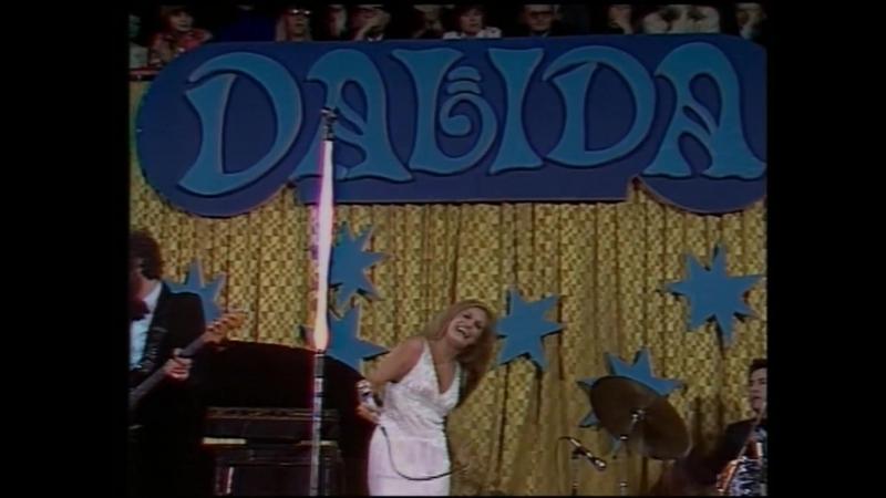 Dalida ♫ 22 Gigi l'Amoroso ♪ 1977 ( live @ Prague - CZ )