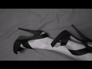 Фут-фетиш студия Госпожи Бурусэры. Ножки в туфлях на высоком каблуке