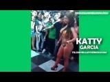 Katty Garcia en bikini en desfile