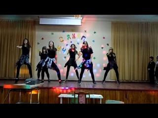 Танец на день учителя 11-А и 9-А классов :)