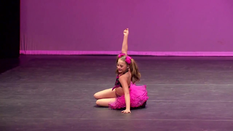 Dance Moms - Mackenzie solo - Superstar (S5E26)