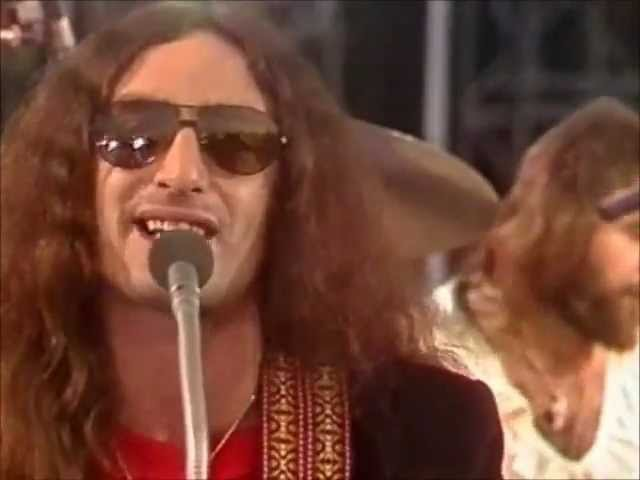 Uriah Heep - Lady In Black ( стала безумно популярной в Германии и СССР ) .