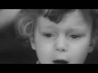 стих Роберта Рождественского, читает маленький мальчик