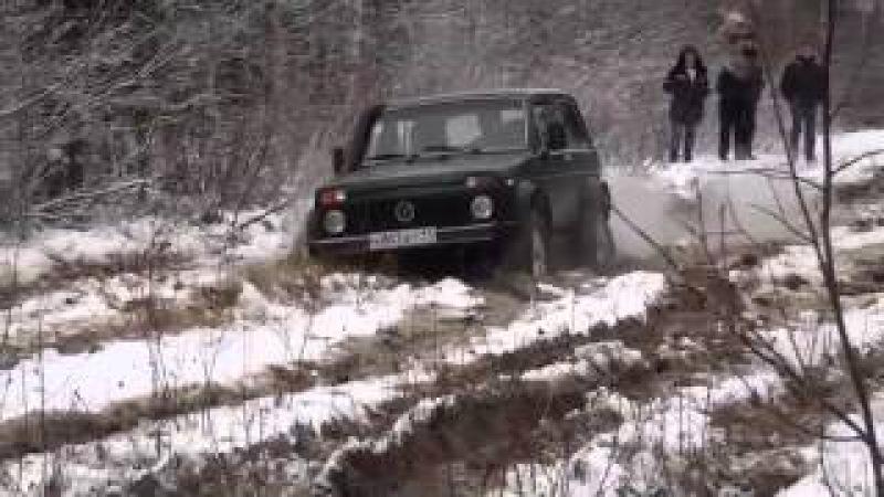 Русские внедорожники в грязи НИВА, УАЗ по нереальному бездорожью