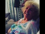 Бабушка поёт йоглем! 🙈😍