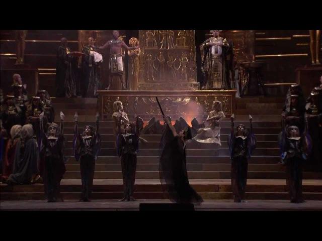 [HD] Consecration scene (Possente Ftha... Nume, custode e vindice) (from Verdi's Aida)