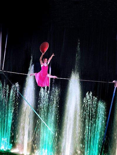 БЕСПЛАТНЫЕ билеты на Шоу «Зачарованный город» в Цирке Танцующих фонтан