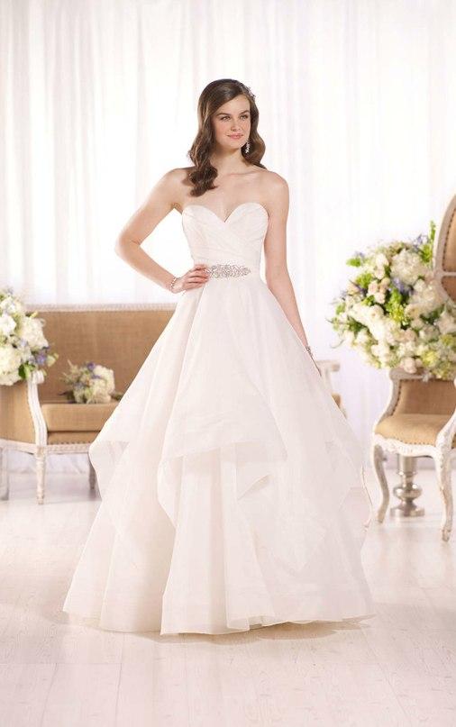 cwZRD9RUQAA - Свадебное платье: коллекция 2016 Essense