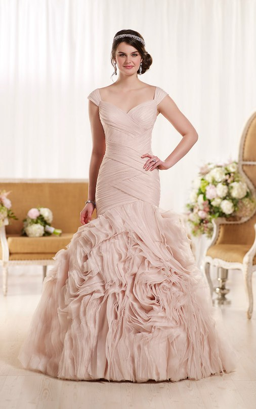 ETsRoau2EWY - Свадебное платье: коллекция 2016 Essense