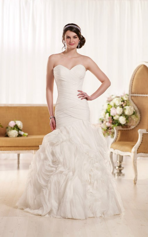 sWp1HckHJew - Свадебное платье: коллекция 2016 Essense